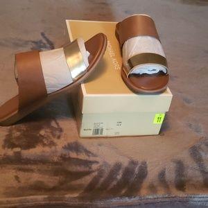 Michael Kors Millie leather slide sz 11